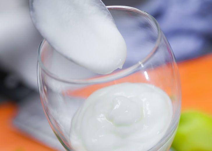 Make-a-Tropical-Yogurt-Parfait-Step-4_Fotor
