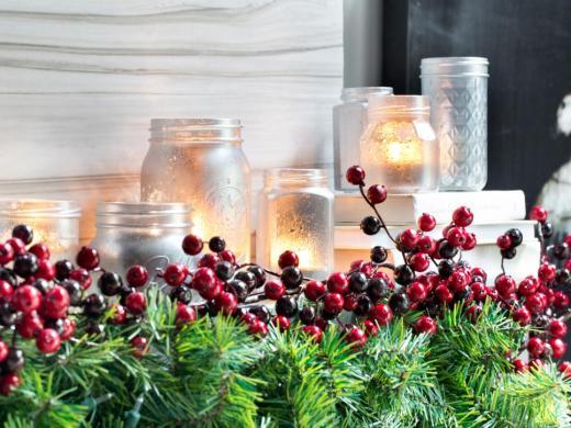 bpf_holiday-house_interior_mason-jars_4x3-jpg-rend-hgtvcom-966-725